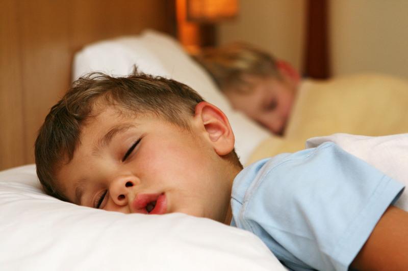 Cinco-rutinas-para-dormir-fácilmente-a-los-niños